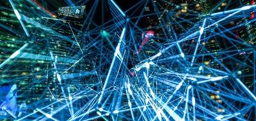 réseau de milliers de traits lumineux